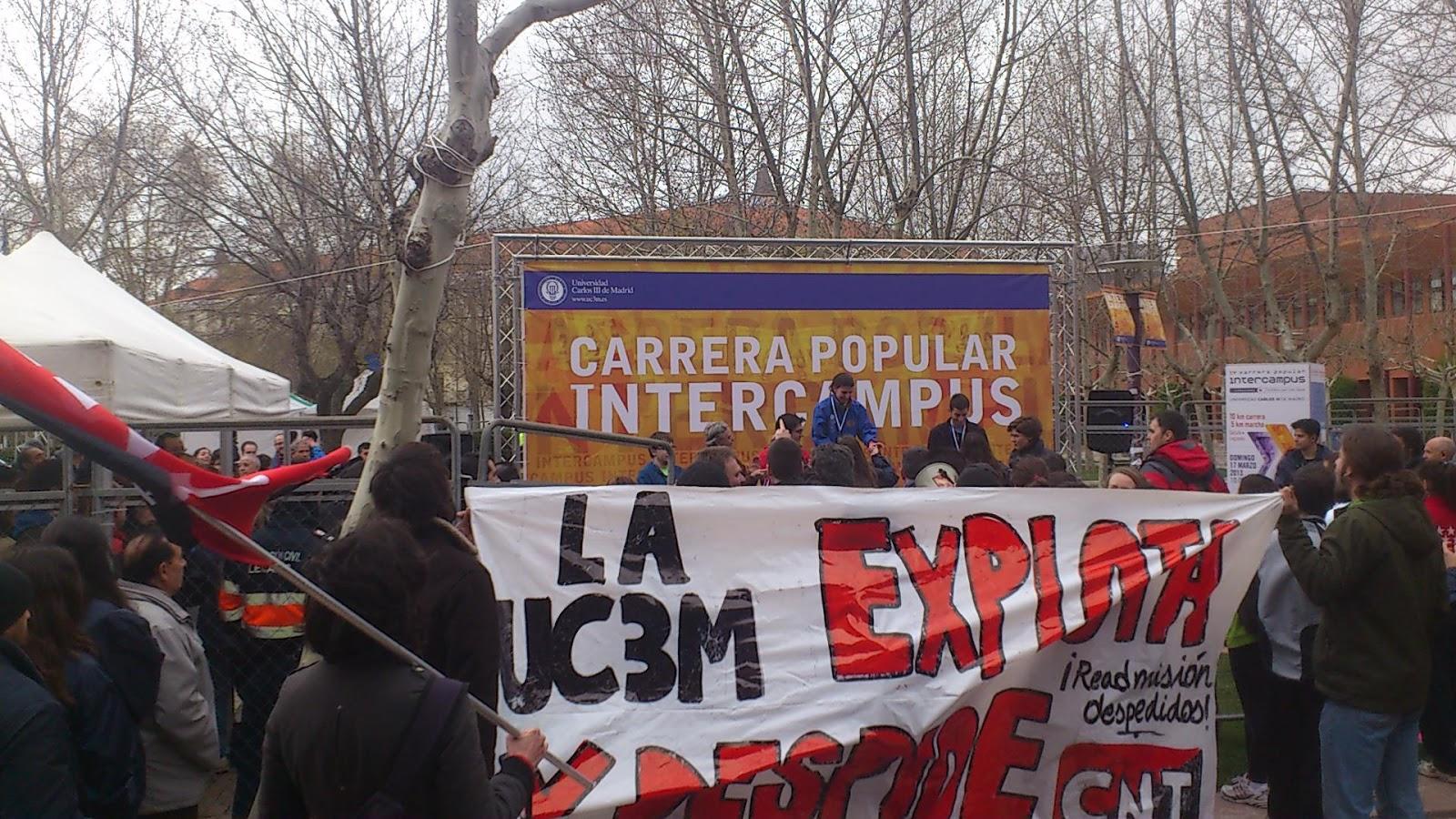 Manifestación contra el rector